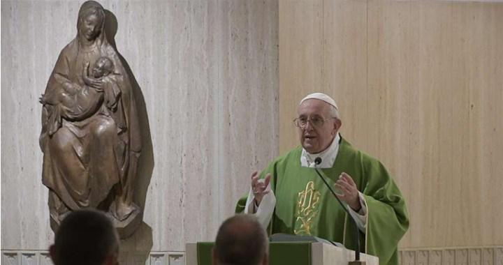 Si no sientes la lucha entre el bien y el mal estás anestesiado, alerta el Papa