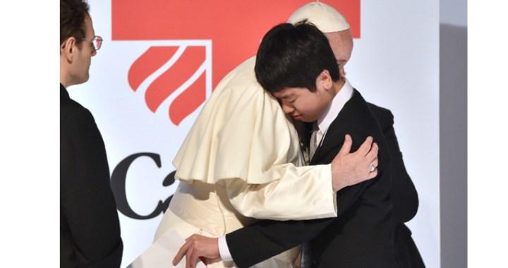 El Papa: «Que siga la ayuda a víctimas del triple desastre que sacudió Japón»