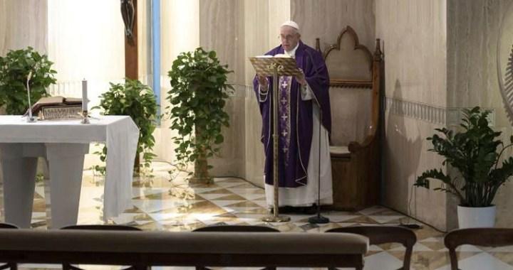 El Papa anima a los sacerdotes a llevar con valentía la Palabra de Dios y la Eucaristía