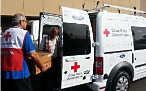 En el segundo día de jornada, 27 voluntarios de la Cruz Roja Americana Capítulo de Puerto Rico continúan brindando asistencia a las familias que fueron afectadas por las lluvias del pasado jueves. (Foto/CyberNews)