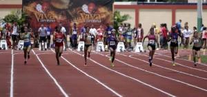 100 metros juvenil en el noveno Clasico Primaveral de Atletismo en Carolina.-01