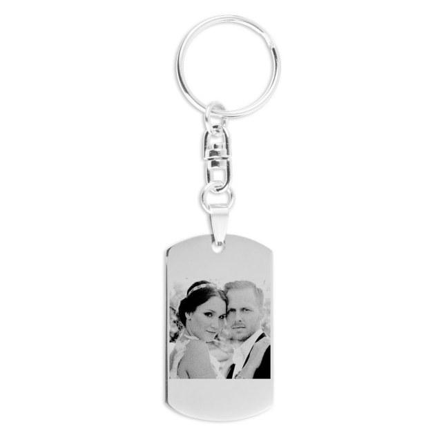Nyckelring graverad med ditt foto Image