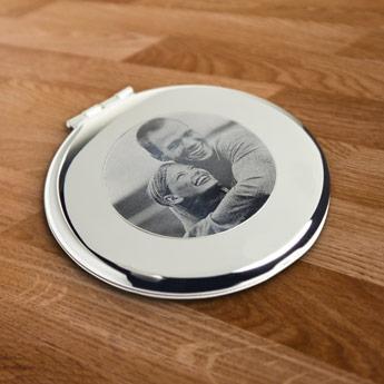 Sminkspegel graverad med ditt foto Image