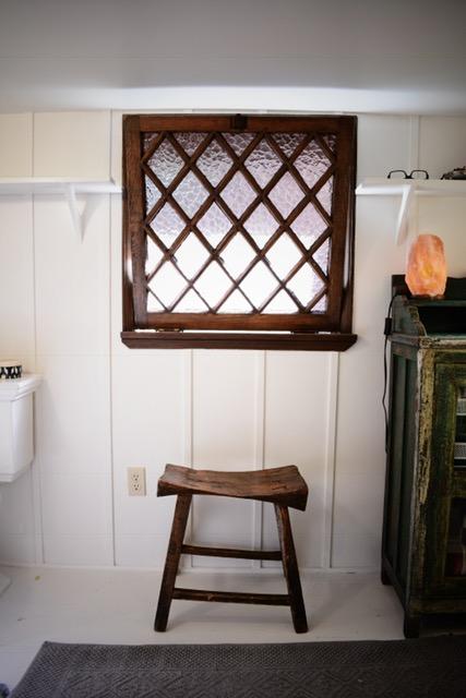 bathroom-stool-antique