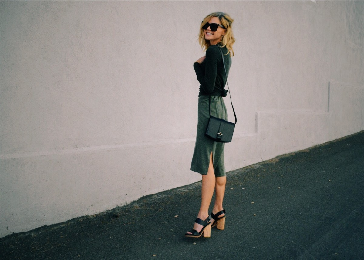 Green with Envy: Monochromatic Green Outfit is a Chic Choice for Fall