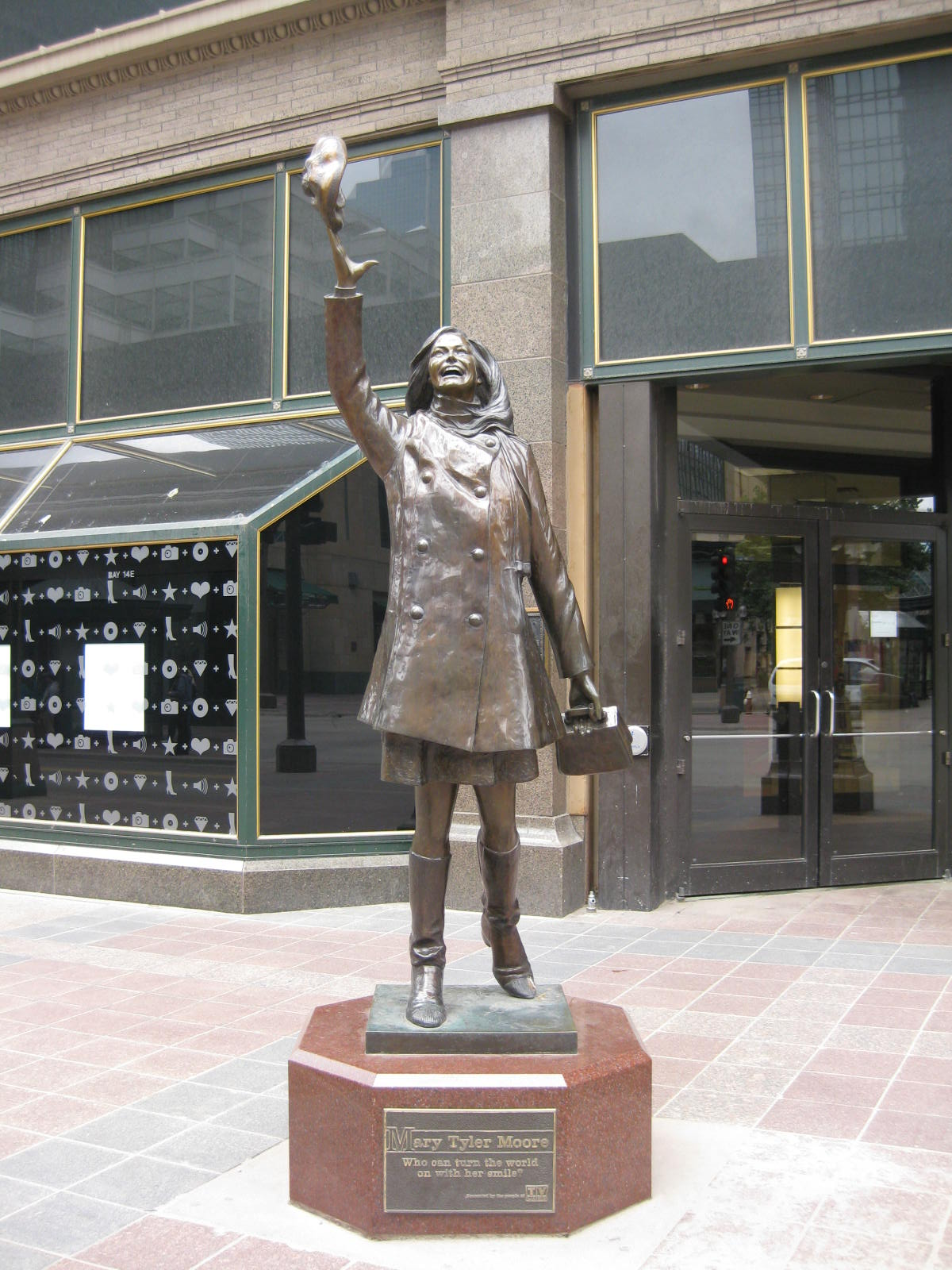 Mary Tyler Moore in Minneapolis.