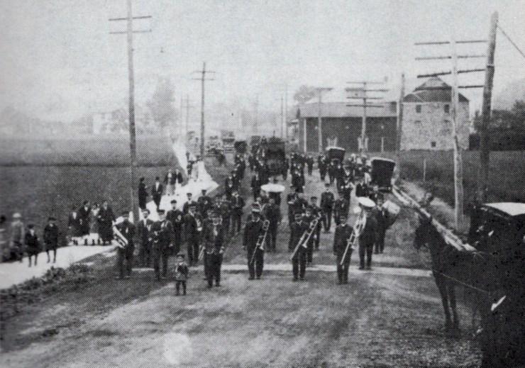 1898parade0006