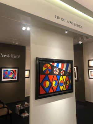 Galerie de la Présidence, stand at Tefaf Maastricht 2020 with works by Alexander Calder and Sonia Delaunay