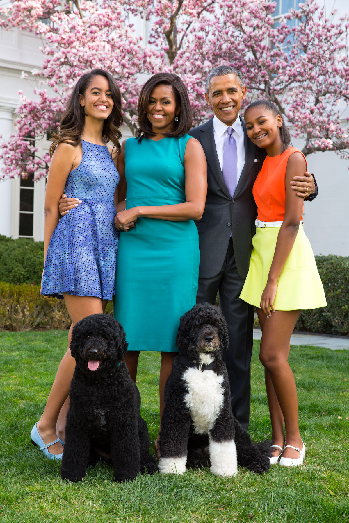 obamas-with-bo-and-sunny.jpg