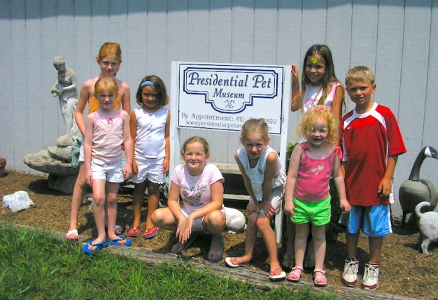 Youth visitors at the original museum site.