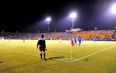 It's the main event: UCSB vs. UCLA at Harder Stadium