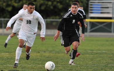 Dons dominate Ventura, take over league lead
