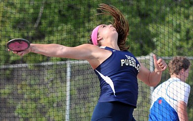 TRK: Poindexter, Scarvelis lead Chargers to dual meet victory