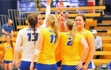 WVB: Gauchos sweep weekend series