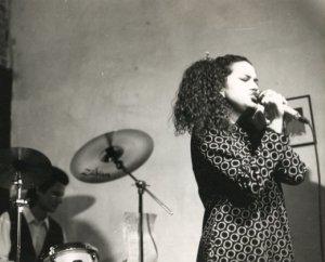 Nicole Presley singing in Boca De Sandía