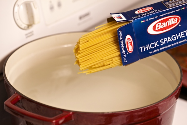 Barilla think spaghetti (no. 7) about to be boiled