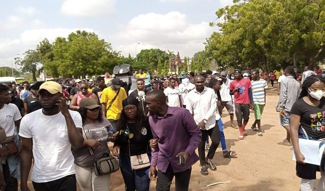 #EndSARS: Thugs Chase Protesters With Axes In Osun