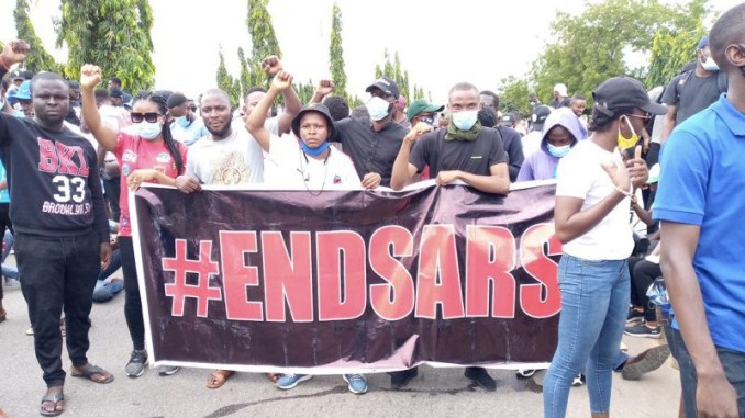 Armed Thugs Attack Abuja #EndSARS Protesters (Video)