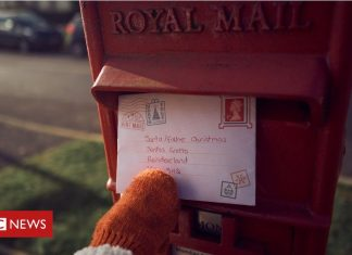 Royal Mail ends two-year dispute with union in 'landmark' deal