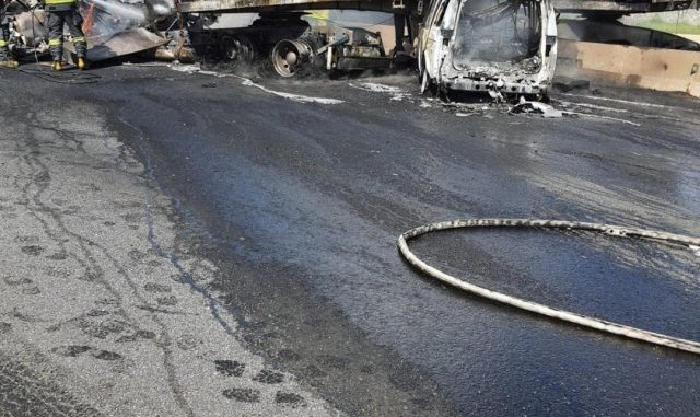 2 fatalities reported in N1 collision, fire extinguished