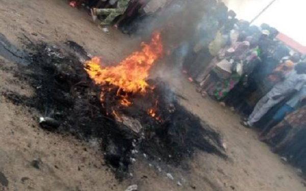 fleeing Prisoner set ablaze by Imo villagers