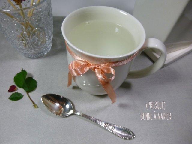 « Café blanc » libanais, boisson chaude à la fleur d'oranger