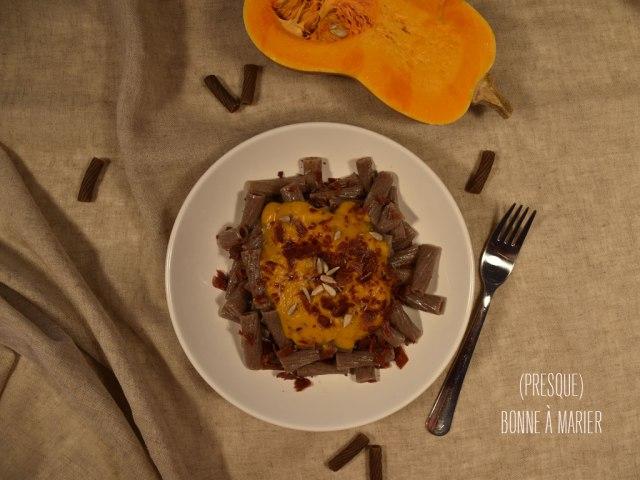 Tortiglioni de sarrasin au butternut, ras el hanout et crumble de serrano