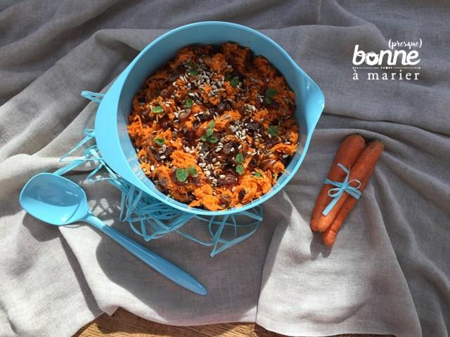 Salade de carottes aux dattes, raisins secs et à la menthe