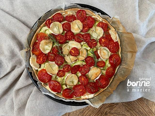 Tarte rapide tomates, courgettes et chèvre au romarin