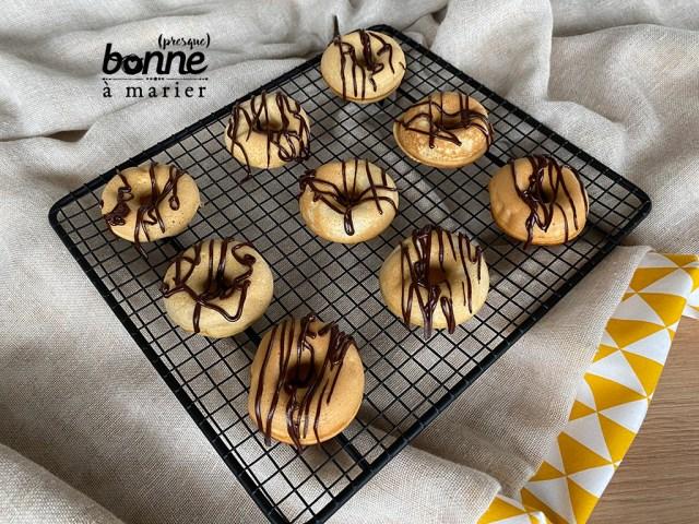 Donuts au chocolat avec appareil