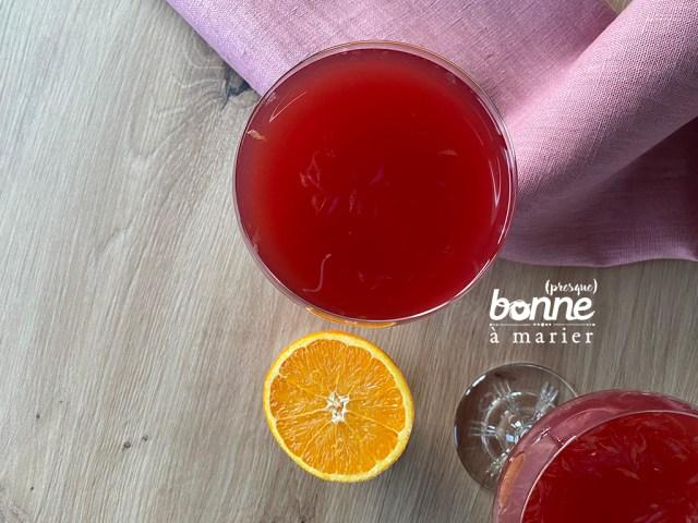 Cocktail acidulé au rhum, cranberry et agrumes