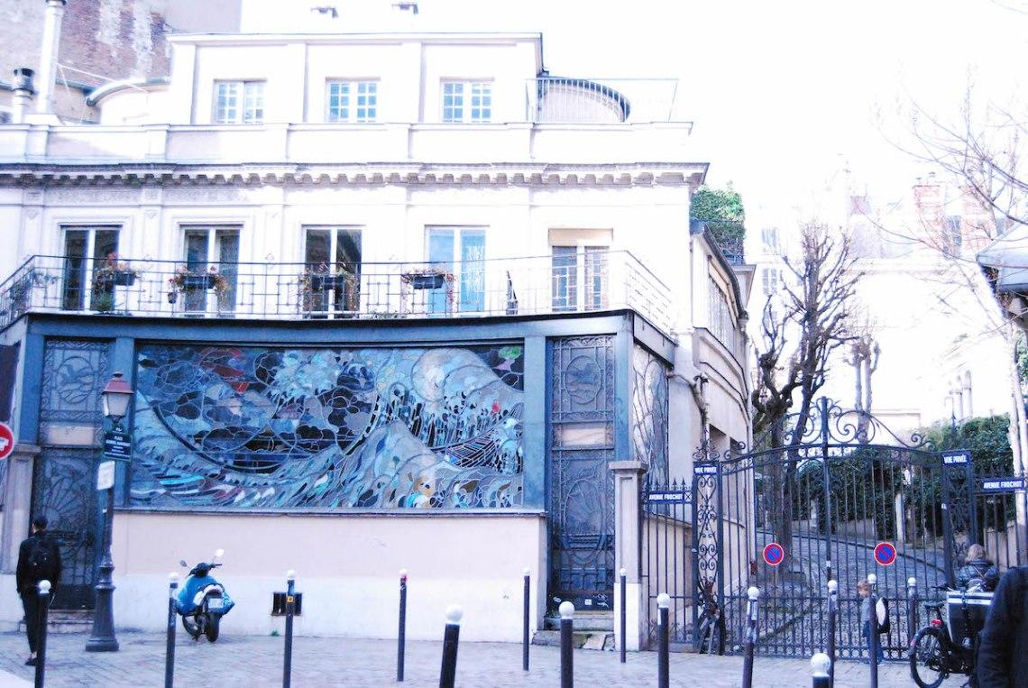 Paris France with Scandalous Paris Localers Tour Presque Perfection