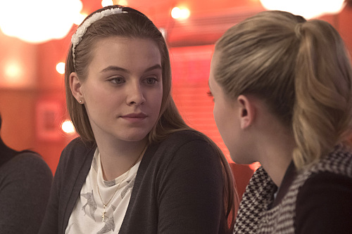"""Riverdale -- """"Chapter Seven: In A Lonely Place"""" -- Image Number: RVD107a_0373.jpg -- Pictured (L-R): Tiera Skovbye as Polly Cooper and Lili Reinhart as Betty Cooper -- Photo: Katie Yu/The CW -- © 2017 The CW Network. All Rights Reserved"""