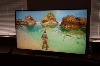 Uncharted 4 (HDR On Right)