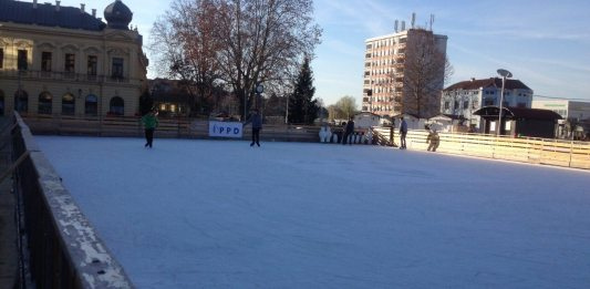 Klizaliste u Vukovaru zapocelo s radom