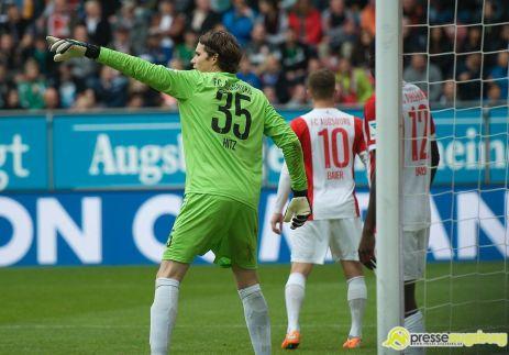 "20140929_fca_hertha_0068 FCA-Torhüter Marwin Hitz schießt ""Tor des Monats"" Februar FC Augsburg News Sport ARD FC Augsburg Februar 2015 Marwin Hitz Tor des Monats  Presse Augsburg"