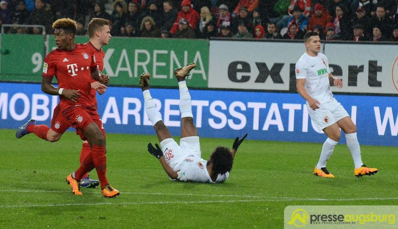 Die Sensation bleibt aus. Der FCA verliert gegen die Bayern mit 1:3. Foto: Wolfgang Czech