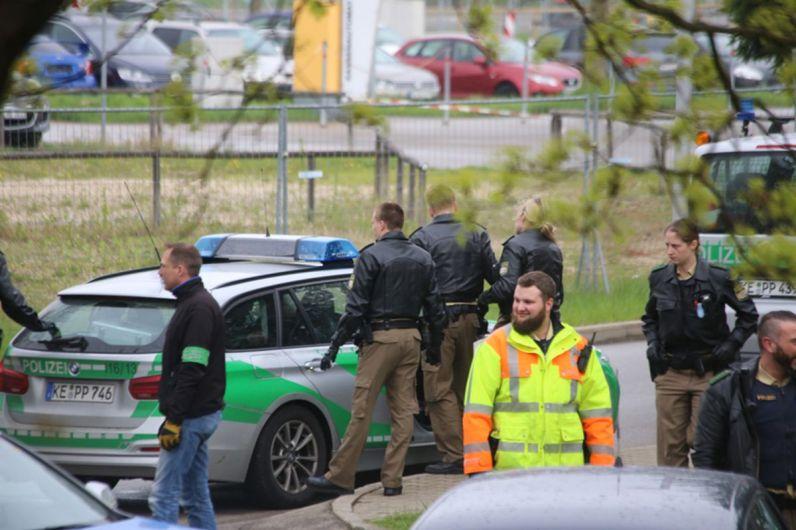 20140414_Unterallgaeu_Memmingerberg_Asylunterkunft_Allgaeu-Airport_Polizeieinsatz_Poeppel_0023