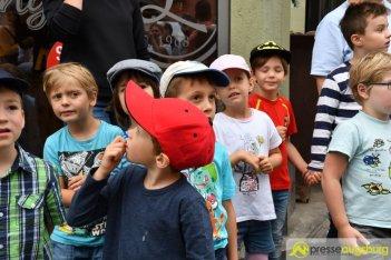 "2017-07-14-Kasperl-Ampel-–-17 ""Jetz kosch gea!"" | Augsburg hat nun eine Kasperl-Ampel Augsburg Stadt Bildergalerien Kunst & Kultur News Newsletter Ampel Augsburger Puppenkiste Kasperl |Presse Augsburg"