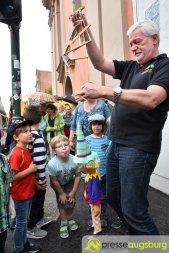 "2017-07-14-Kasperl-Ampel-–-29 ""Jetz kosch gea!"" | Augsburg hat nun eine Kasperl-Ampel Augsburg Stadt Bildergalerien Kunst & Kultur News Newsletter Ampel Augsburger Puppenkiste Kasperl |Presse Augsburg"