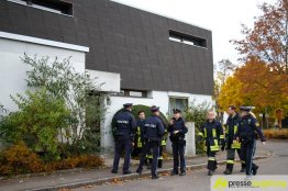 Feuerwehr und Polizei evakuierten das betroffene Gebiet | Foto: Bruder