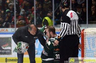 Olli Roy blieb nach einem Zusammensprall liegen | Foto: Wolfgang Czech