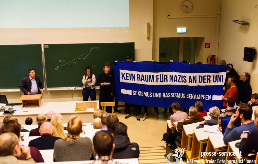 Protest bei Vorlesung von Lothar Höbelt an der Universität Wien (19.11.2019)