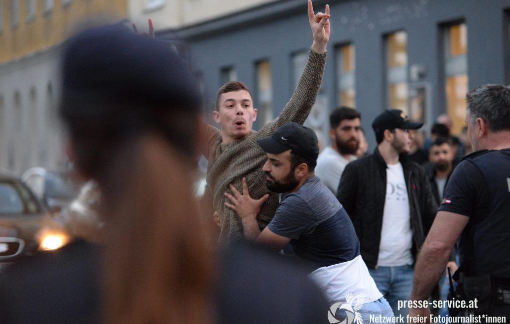 Wien: Spontane Demonstrationen nach Angriff durch türkische Faschist_innen (24.06.2020)