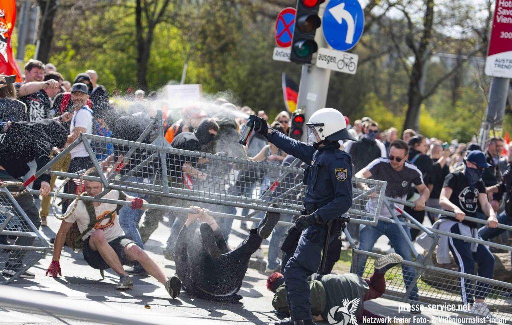 Wien: Demonstration gegen die Corona-Maßnahmen (10.04.2021)