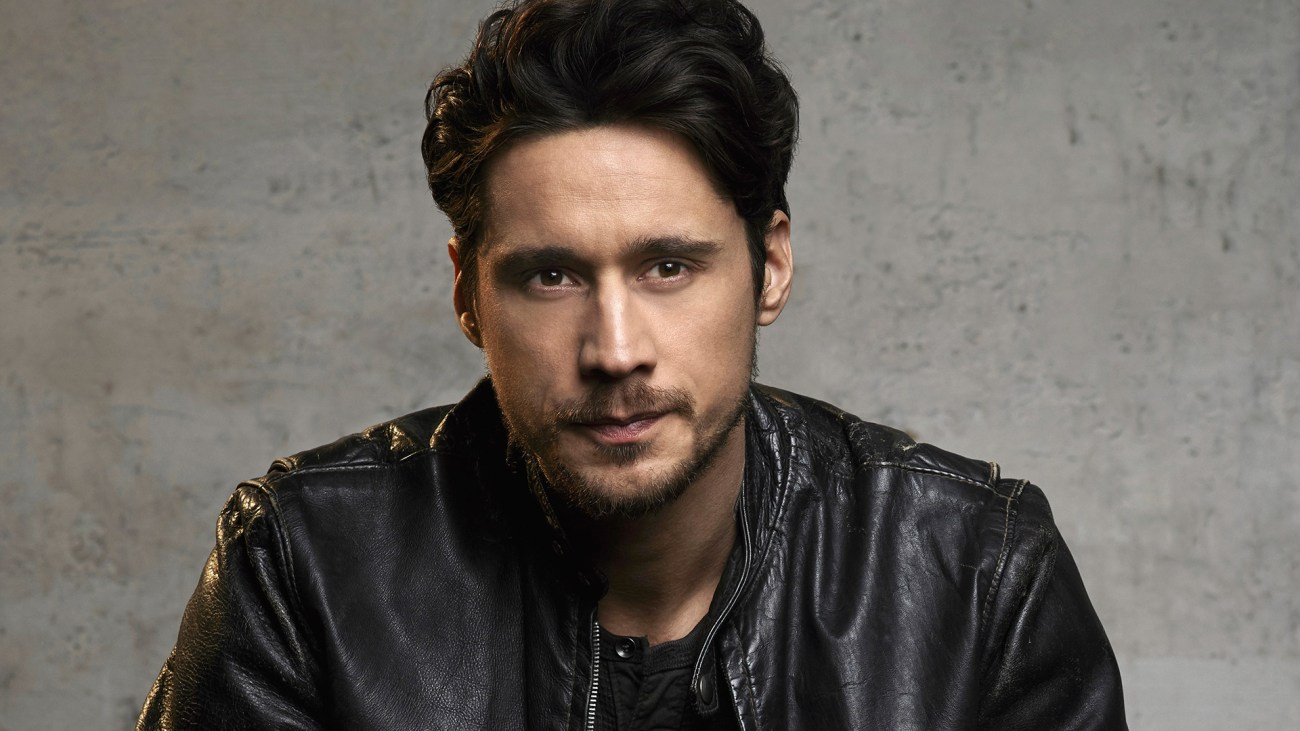 Peter Gadiot is James in Queen of the South