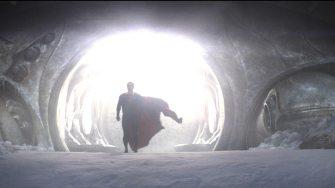 Man-of-Steel-©-2013-Warner-Bros-(8)