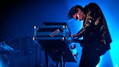 Thomas-Azier-live-©-2013-Alexander-Blach