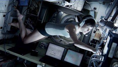 Gravity-©-2013-Warner-Bros.(3)