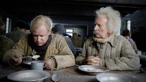 Der-Hundertjährige,-der-aus-dem-Fenster-stieg-und-verschwand-©-2013-Filmladen(5)